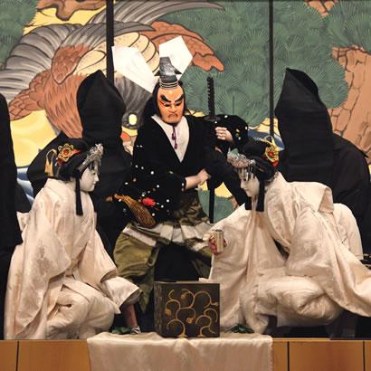 Tamamonomae Asahi no Tamoto : Michiharu Yakata no dan (Les magnifiques manches de Madame Tamamonomae : scène du manoir de Michiharu)