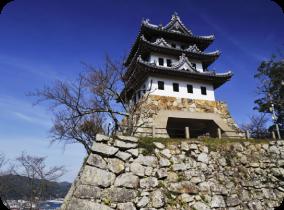 Mont Mikumayama et ruines du château de Sumoto